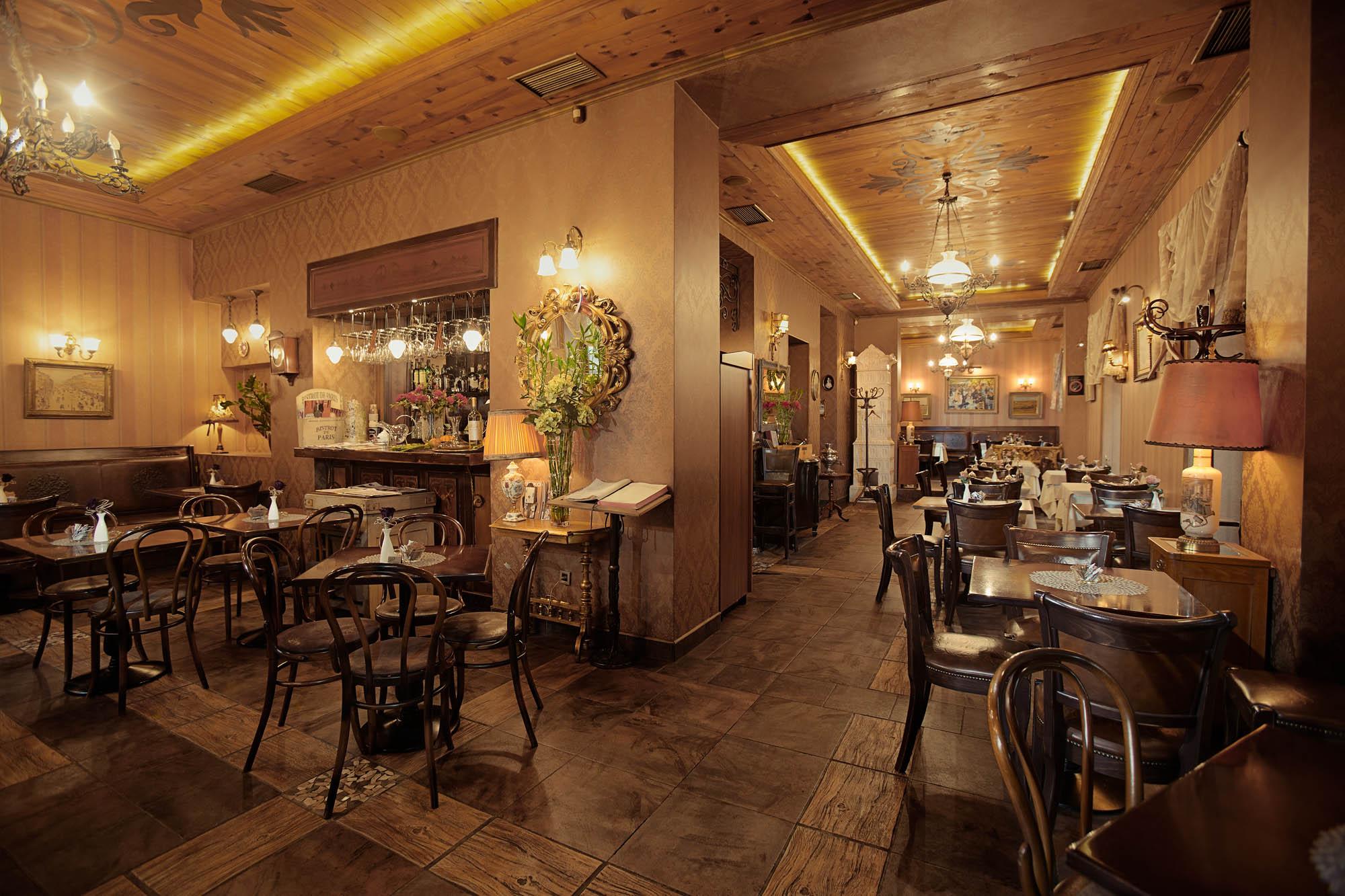 mali pariz, restoran, beograd, mirko nahmijas, pecatipotpis, pecat i potpis
